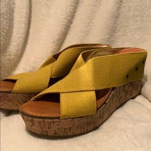 NEW Crown vintage sandals mixed size 8 & 8.5